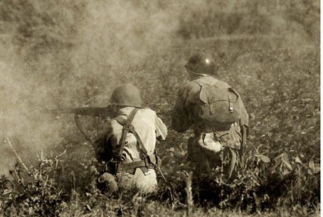 Soldiers in World War Two battle